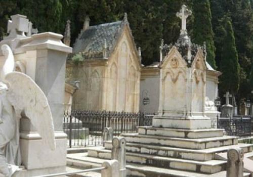 La Iglesia recomienda la sepultura de los difuntos y da normativas sobre la cremación