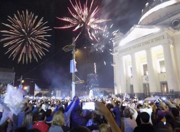 Gran festejo en Itatí, 300 mil peregrinos visitaron a la Virgen