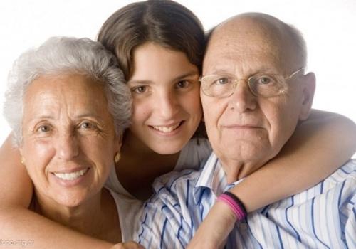 """""""Las palabras de los abuelos tienen algo de especial para los jóvenes"""""""