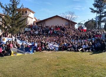 Más de 600 chicos y chicas santos de la alegría